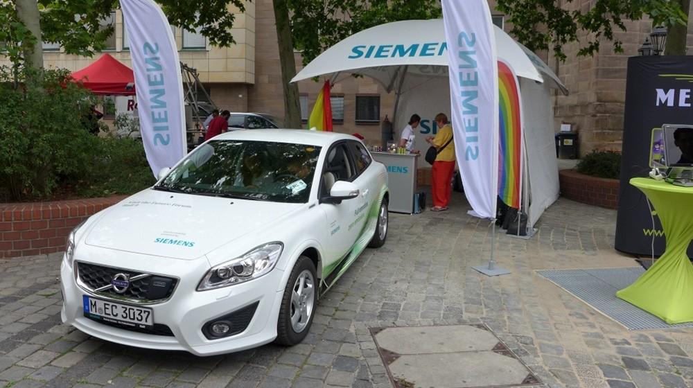 Siemens Stand auf dem CSD