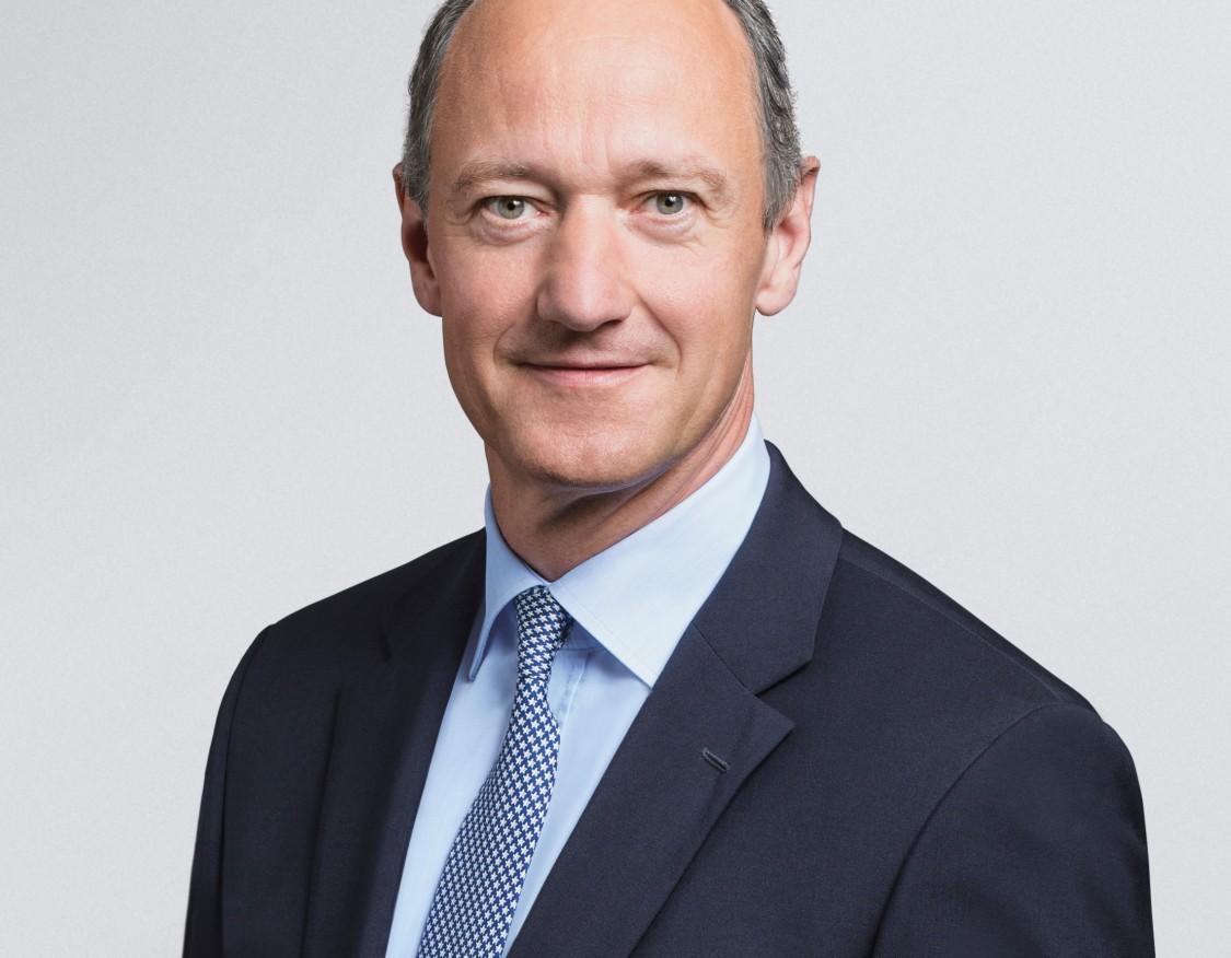 Dr. Roland Busch