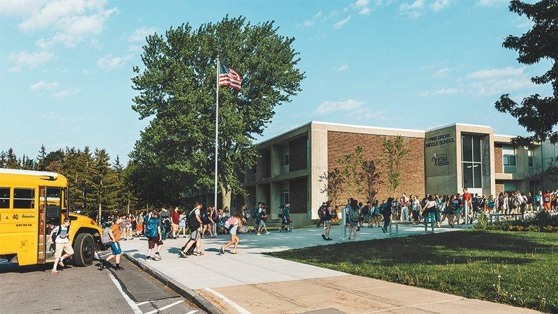 Gebäudetechnik von Siemens macht Pine Grove Middle School in East Syracuse, New York, zu einem perfekten Ort für Schüler. Dort finden junge Köpfe die ideale Lernumgebung.