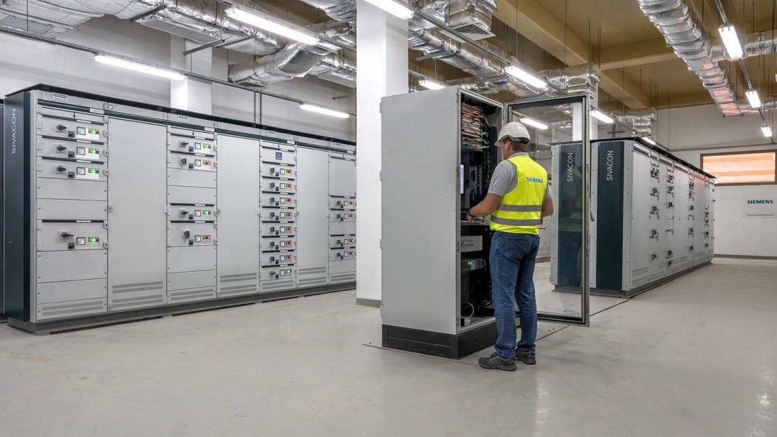 Neben der Lieferung der Elektro-, Automatisierungs- und Instrumentierungspakete war Siemens auch für den Transport der 37.000 Artikel mit einem Gewicht von 425 Tonnen nach Saudi-Arabien verantwortlich