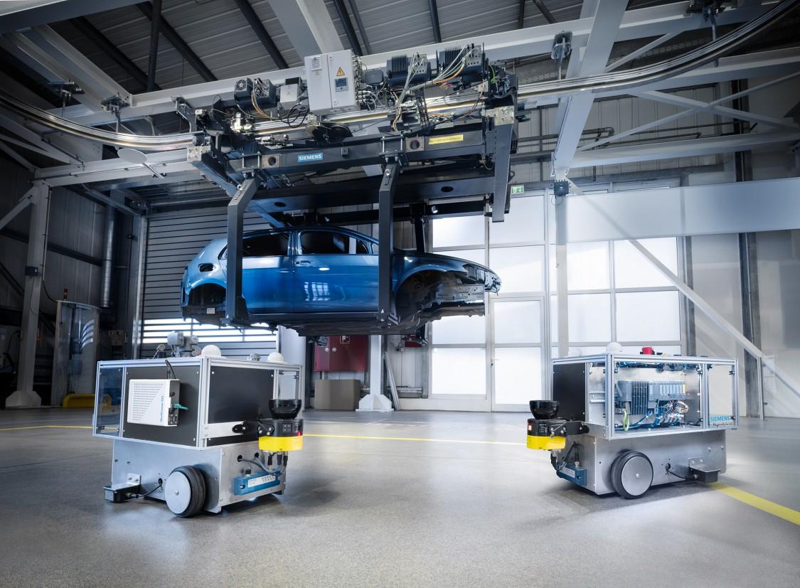 5G test network in Siemens' Automotive Showroom and Test Center in Nuremberg