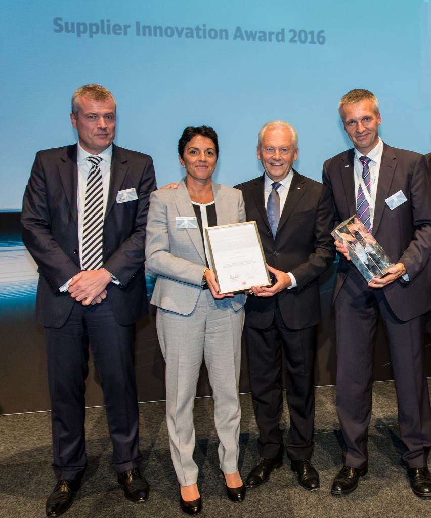 In the picture from left to right: Jochen Eickholt, CEO Siemens Mobility Division; Sabrina Soussan, CEO Siemens Business Unit Mainline Transport; Rüdiger Grube, CEO of Deutsche Bahn (DB), and Martin Offer, Project Manager ICE 4 Siemens Mobility Division.