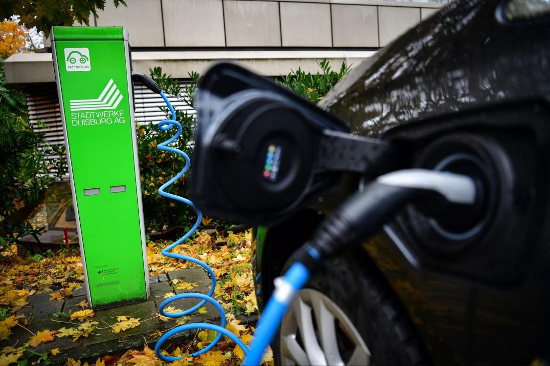 Yerel yönetime bağlı elektrik dağıtım şirketi için elektromobilite gerilim testi