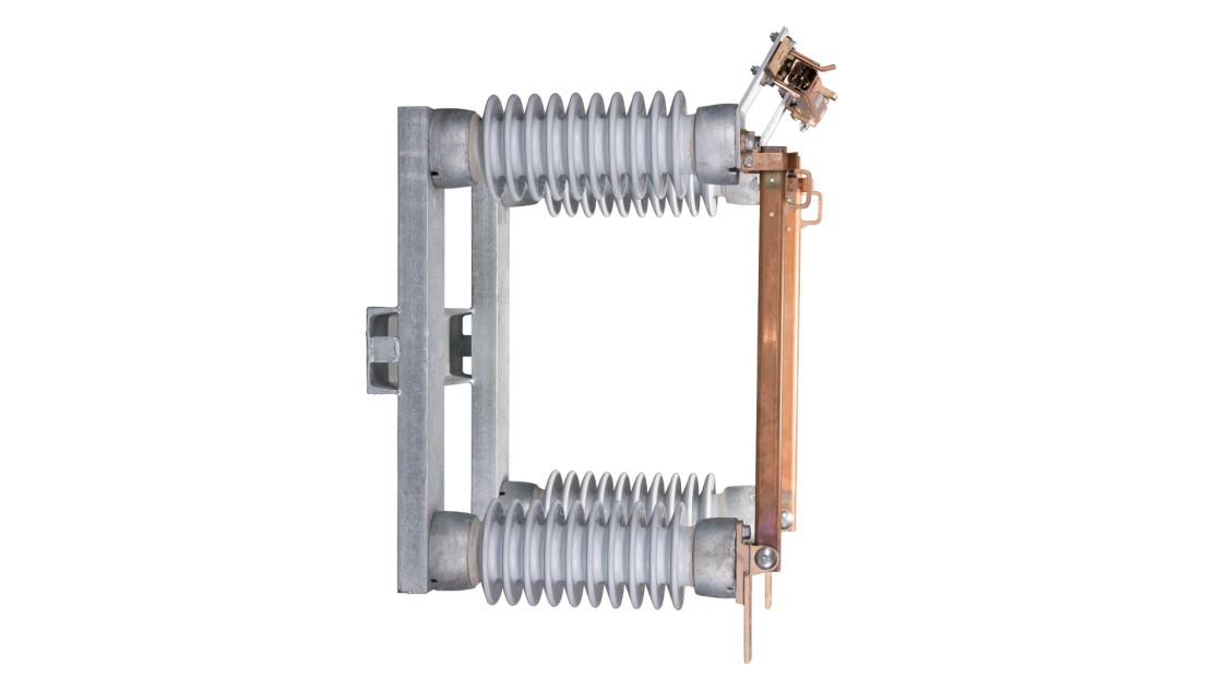 Bypass disconnect switches and assemblies 15 kV-38 kV, type B-2 regulator