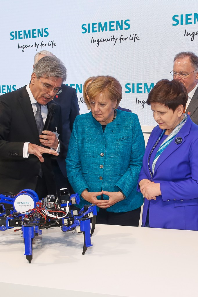 Siemens at the Hannover Messe 2017 – Prime Minister Szydlo and Chancellor Merkel visit Siemens