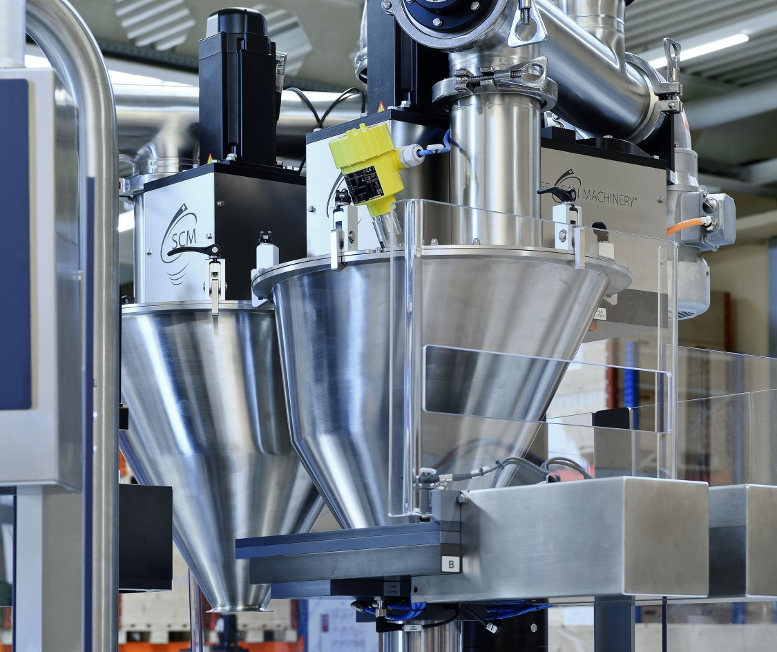 The products are filled in a cleanroom environment. The hoppers and augers are made of V2 (SAE 304) stainless steel. On request, all components that come into contact with products can also be produced using V4 (SAE 316) stainless steel.