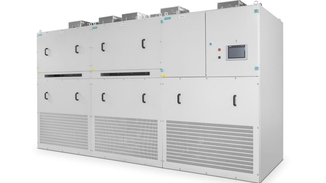 Inversor IGBT autocomutado Sitras PCI da Siemens para fonte de alimentação de tração CC.