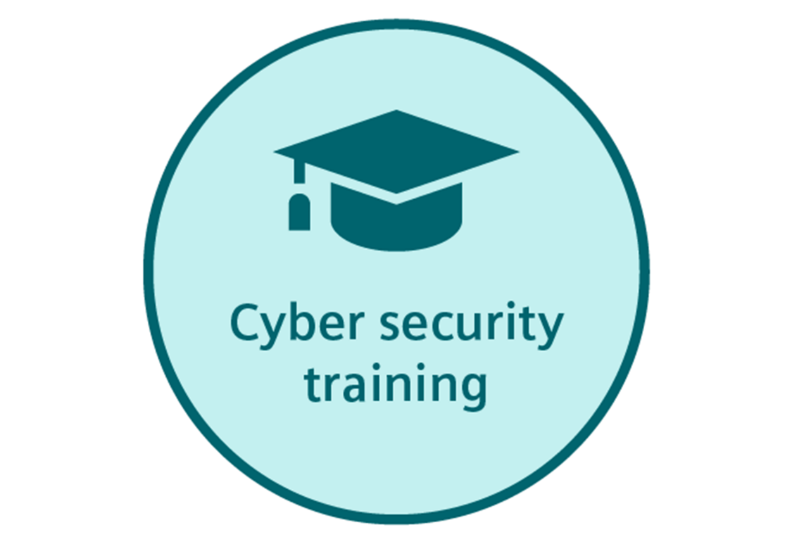 Training courses from Siemens Mobility raise the employees' awareness of cybersecurity threats in rail systems and provide appropriate action strategies.