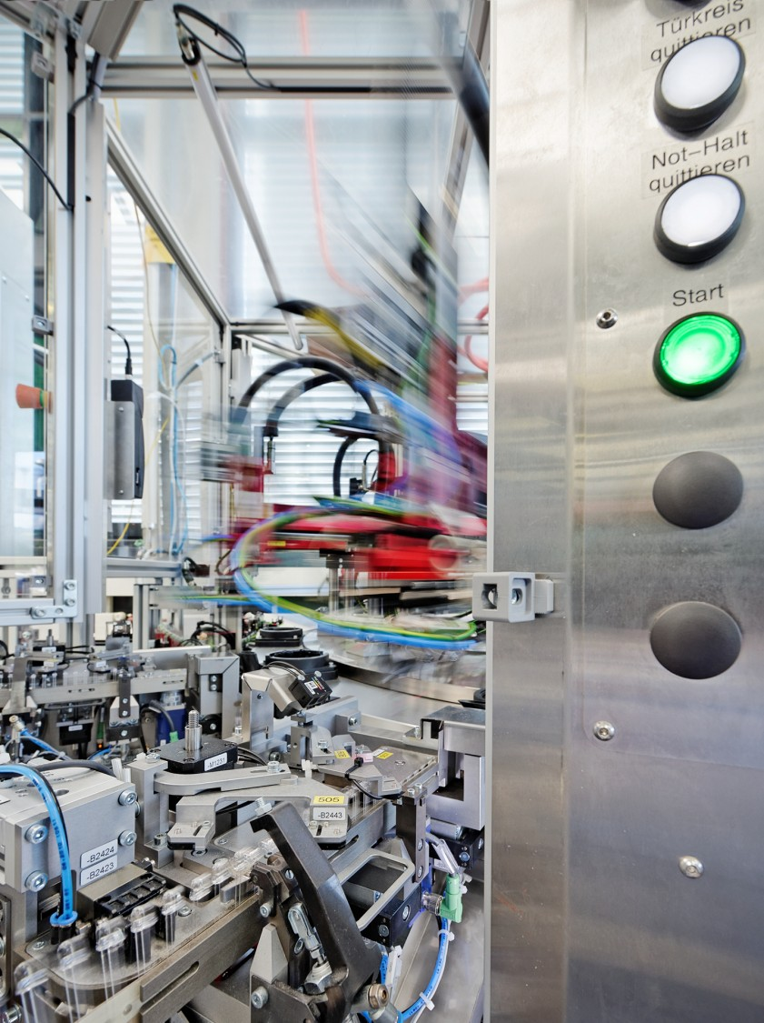 Siemens Building Technologies manufactures smoke detectors in the new assembly plant