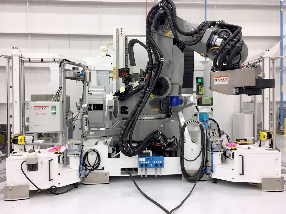 Kraftvoller Roboter f眉r den Flugzeugbau