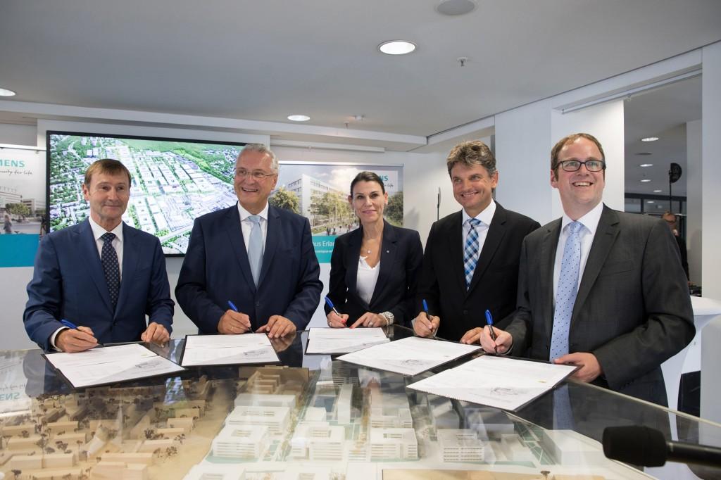 """Festakt """"Erwerb des Siemens Himbeerpalasts durch den Freistaat Bayern"""""""