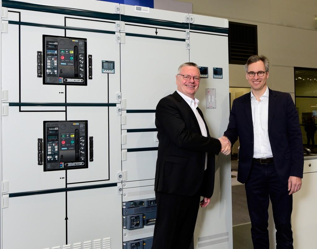 Andreas Matthé, CEO Siemens Low Voltage & Products and Dr. Philipp Dehn, CEO DEHN+SÖHNE