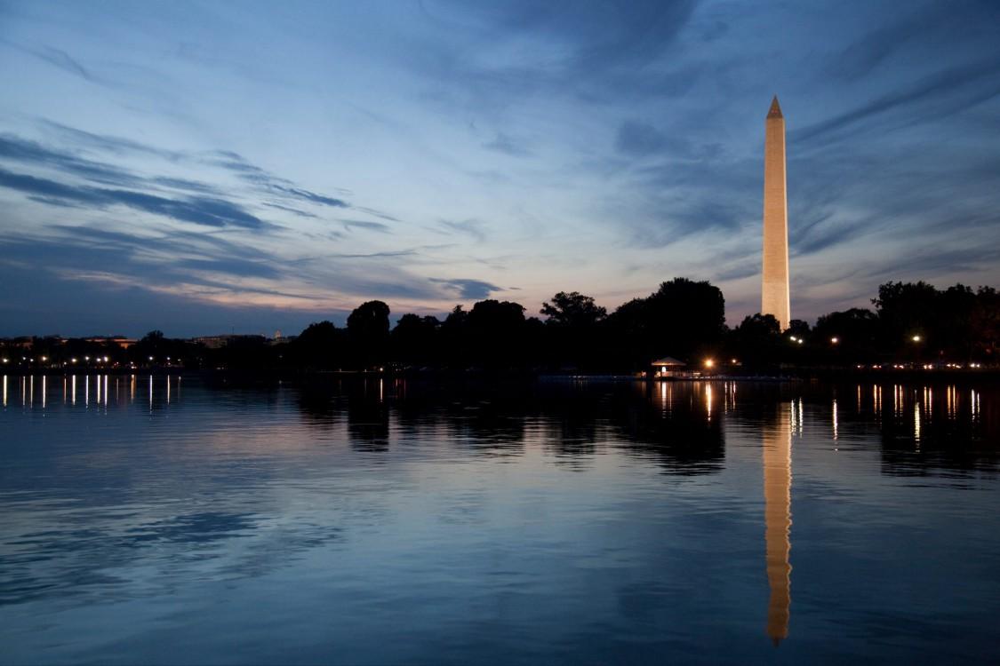 lake in Washington DC with Washington Monument in background