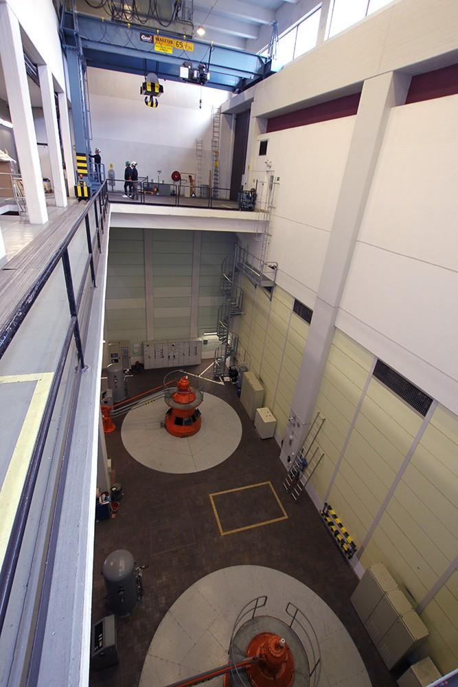 Kraftstationens två aggregat, 9 MW vardera, ska förnyas 2018 och 2020. Inför upprustningen behövde traversen som lyfter turbinerna och som inte har förnyats sedan kraftverket byggdes 1962 också rustas upp.