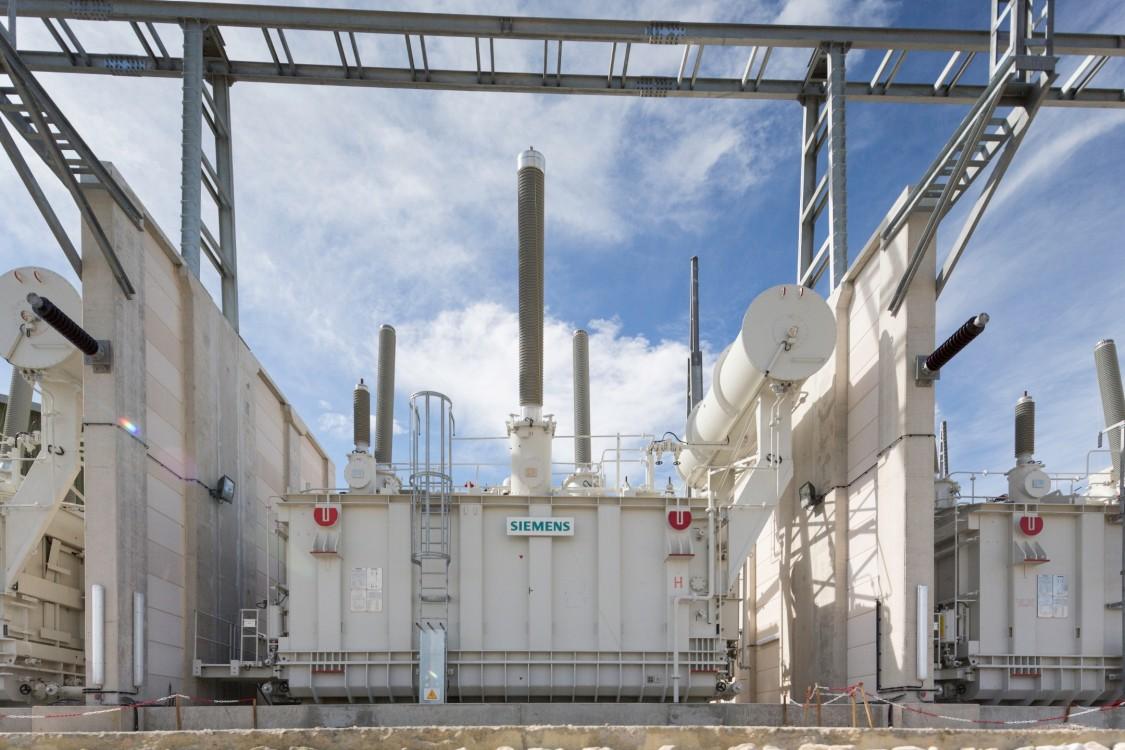 Une commande CCHT par Manitoba Hydro