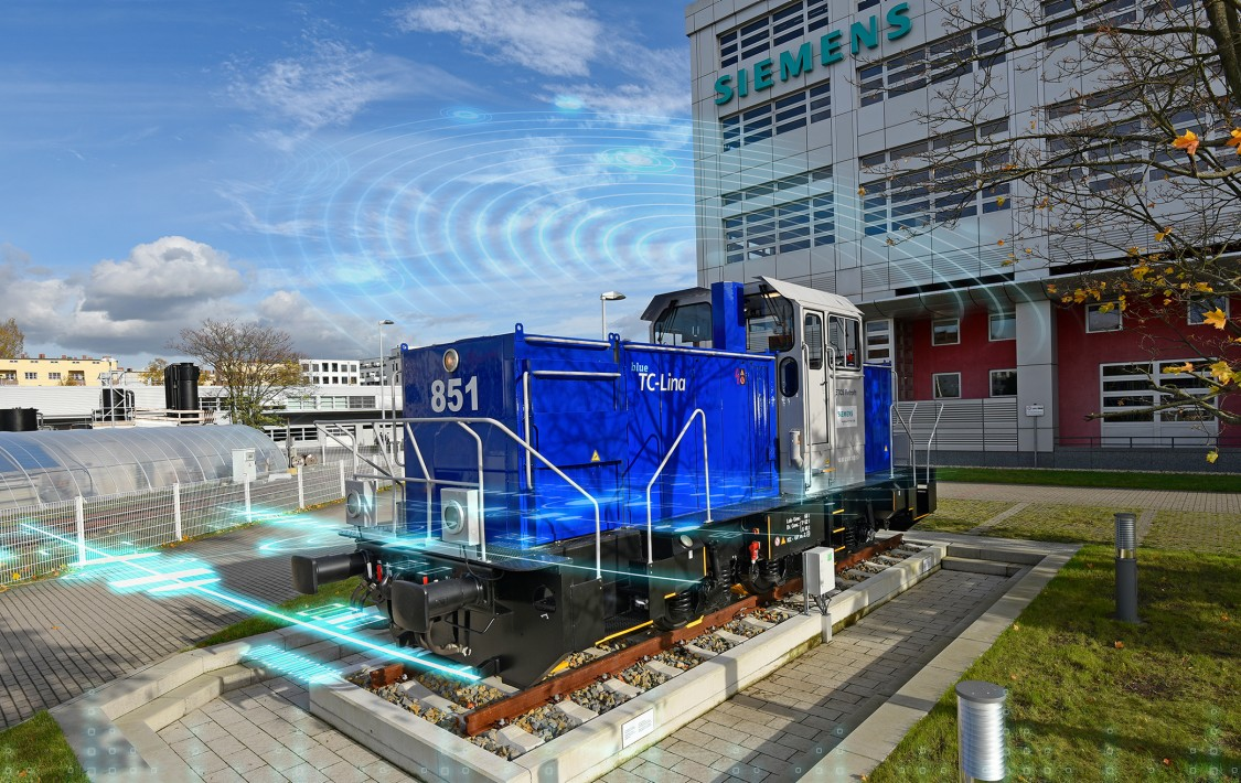 "In Berlin, Siemens demonstrates all possible installation situations for ETCS components on the ETCS demo locomotive ""TC-Lina."""