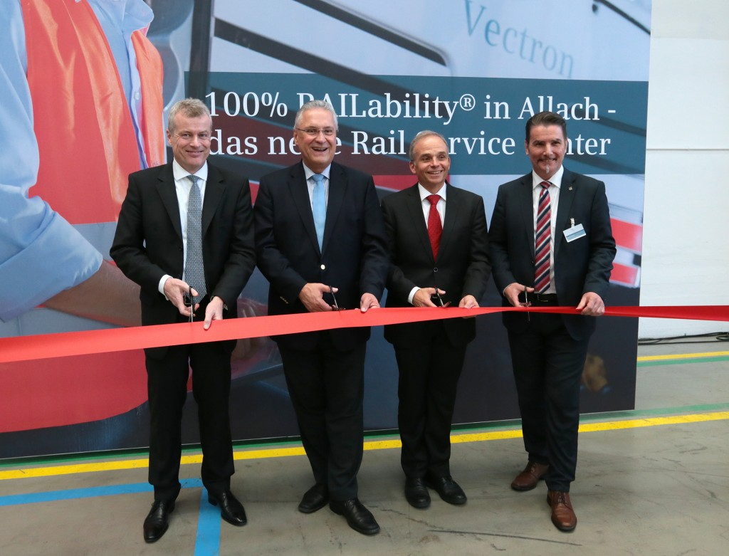 Today saw Bavaria's Transport Minister Joachim Herrmann and Jochen Eickholt, CEO of Siemens Mobility Division, open the Siemens Service Center for Locomotives in Munich-Allach, Germany