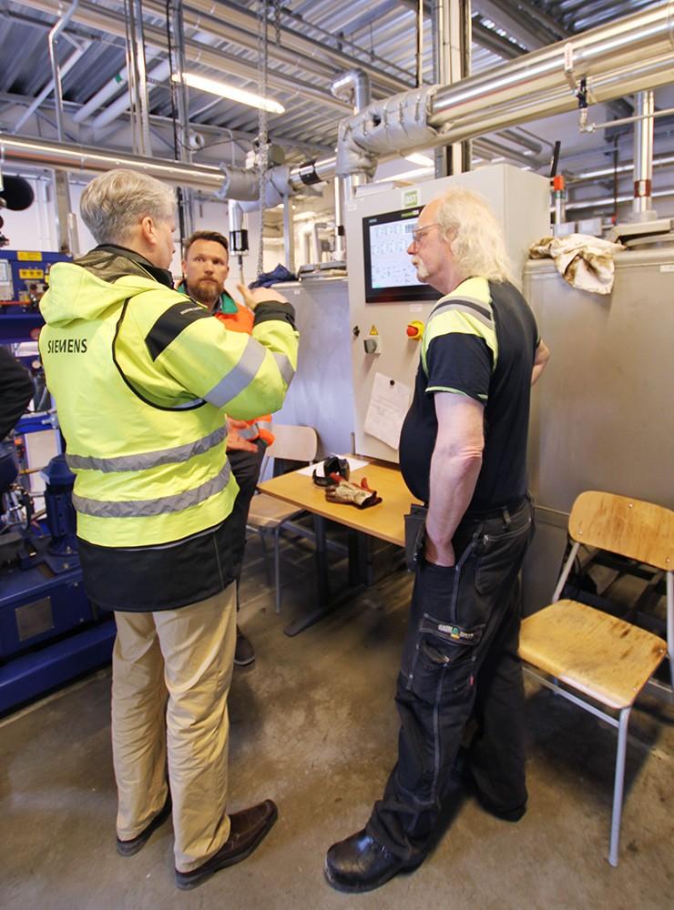Martin Wirell från Siemens med Mats-Johan Rostmark och Thomas Holmqvist från Ragn-Sells.