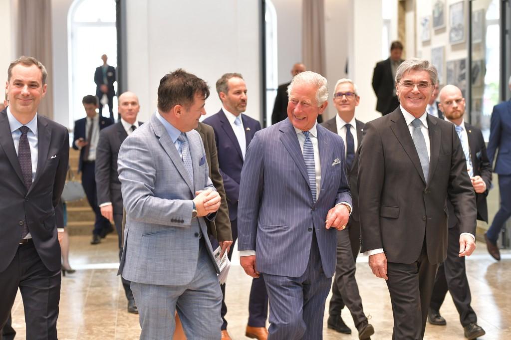 Prinz von Wales besucht Zentrale der Siemens AG