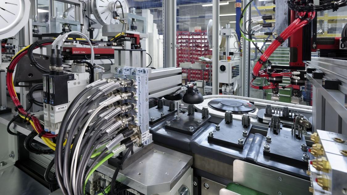 瑞士 Ambotec AG 公司的电子微元件装配机