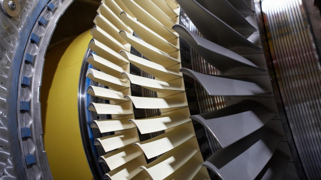 Turbinenschaufeln in einer Gasturbine.