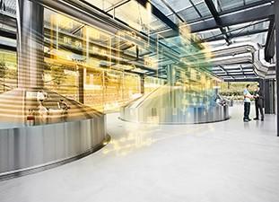 Das Bild zeigt eine digitalisierte Brauerei.