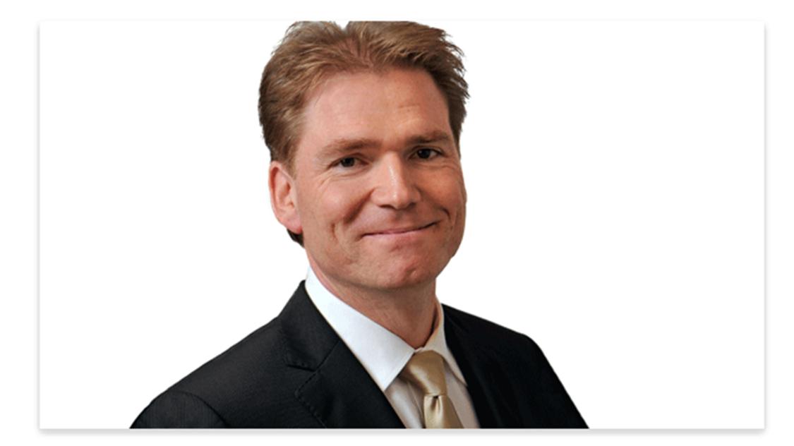 Portrait Image of Lars Klaeschen