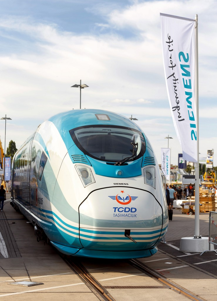 Siemens at Innotrans 2016: Velaro Turkey