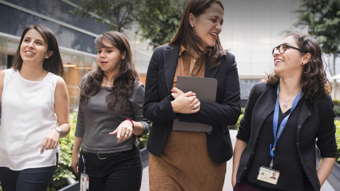 Şirket İçinde Kadınlara Yönelik Ağlar: Çalışanlarımızın dünya genelinde 45'ten fazla kadın ağına katılımını aktif olarak teşvik ediyoruz.