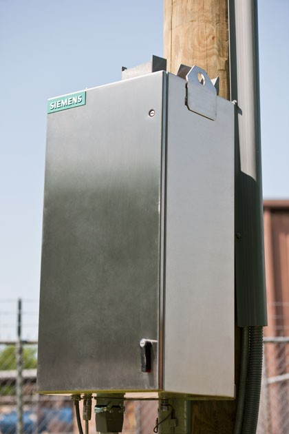 SDR controller installed on pole - close-up