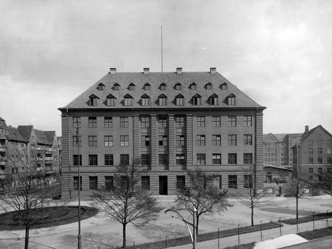 Das Forschungslaboratorium am Rohrdamm, 1924