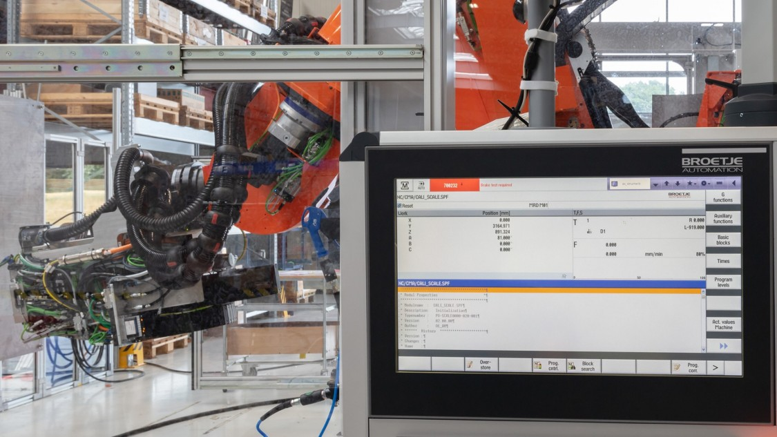 The Power RACe is controlled by a premium CNC Sinumerik 840D sl from Siemens that's well-established in the international aircraft construction industry (Photo: Siemens)