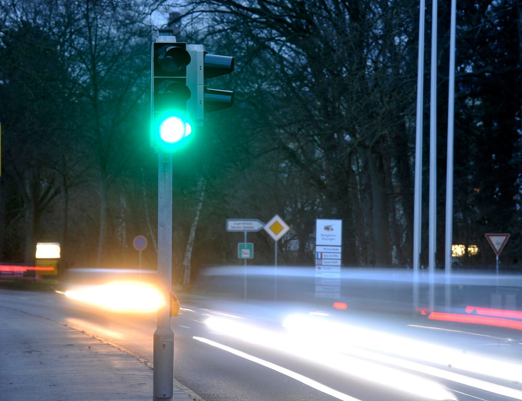 Picture shows a traffic light working with 1-watt-technology
