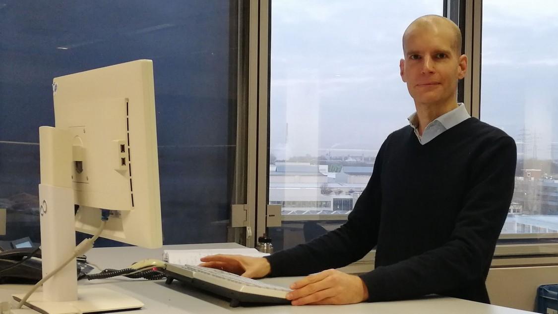 Stefan Schmitt entwickelt bei Siemens Gasturbinenschaufeln und koordiniert dort die Technologieentwicklung zu Schaufelschwingungen.