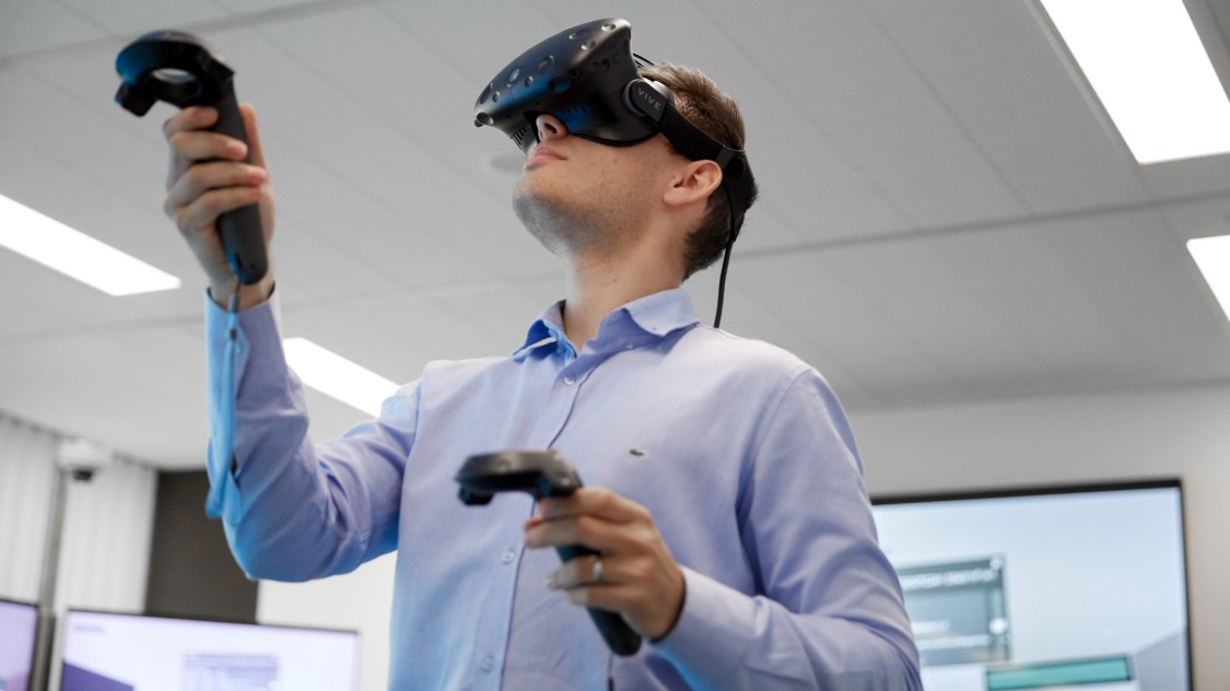 Person using a VR-Device