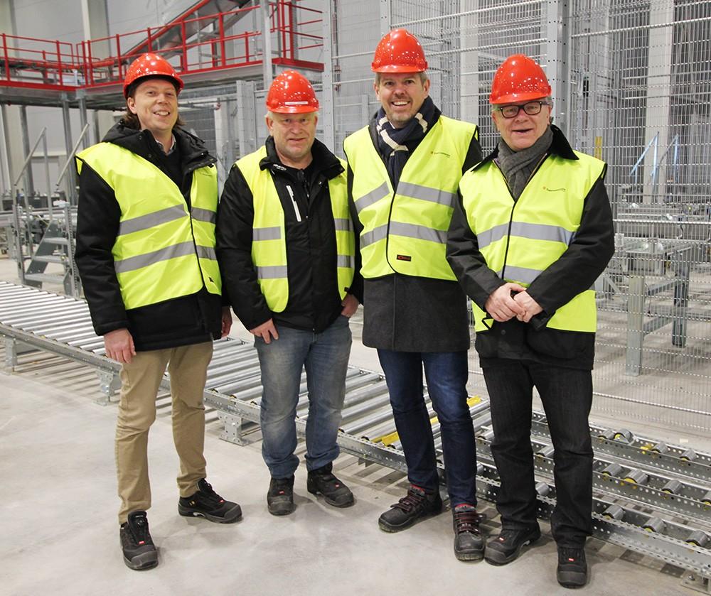Daniel Lundquist, promotor för industriell automation på Elektroskandia, Anders Josefsson, gruppledare på Elektroskandia, Håkan Svärd, marknadschef för Elinstallation och Automation på Elektroskandia, och Mats Radhammar, försäljningsansvarig för grossistförsäljning på Siemens.