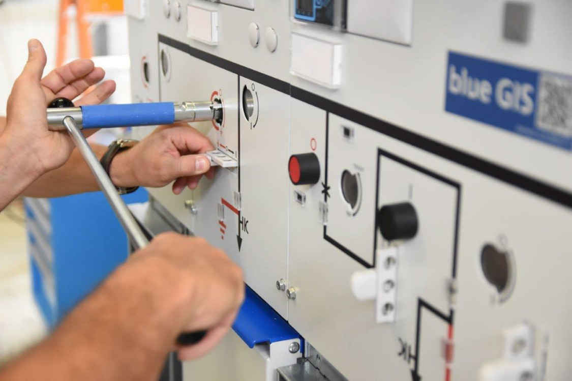 Power plant relies on 8DAB 12 - blue GIS