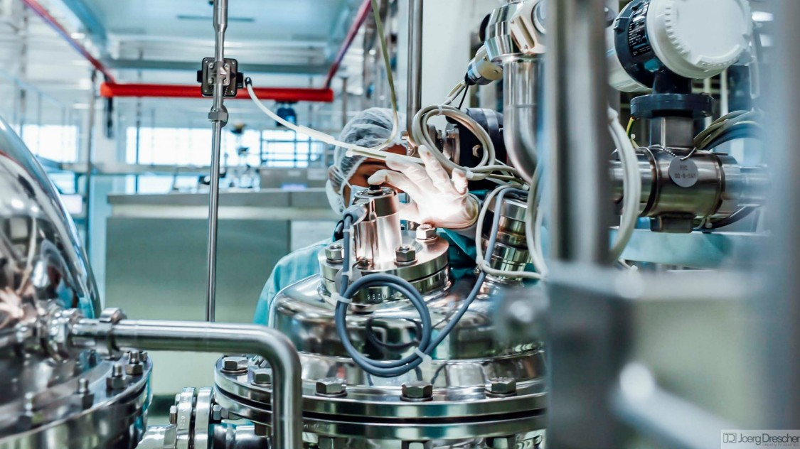Active management of challenges in pharmaceutical manufacturing