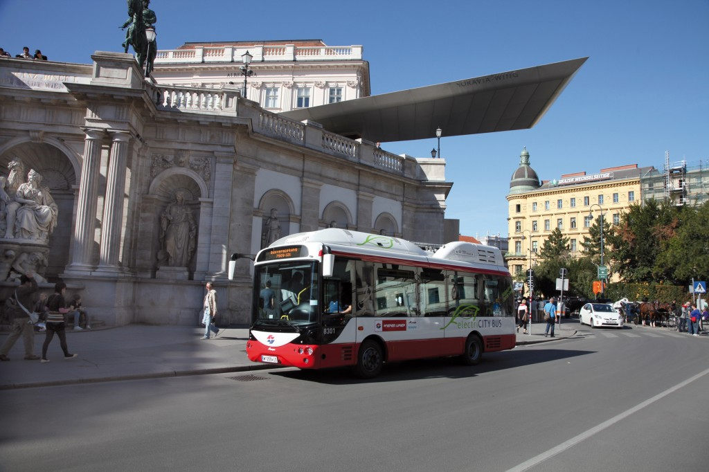 Electric buses begin to operate on regular bus routes