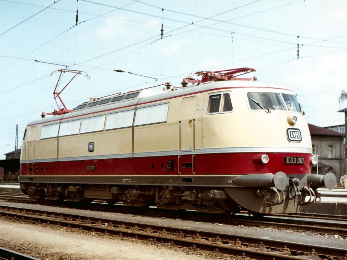 Schnellfahrlokomotive E03, 1965