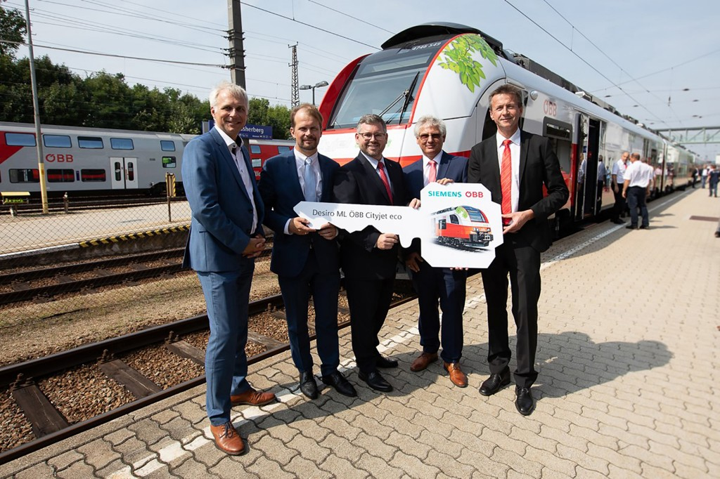 The prototype of the ÖBB Cityjet eco is on its way.