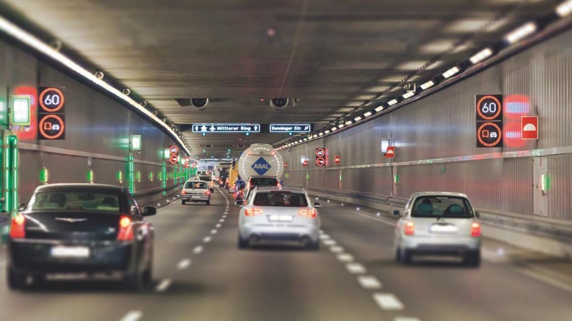 Redundante Systeme gewährleisten, dass Tunnel maximal sicher sind