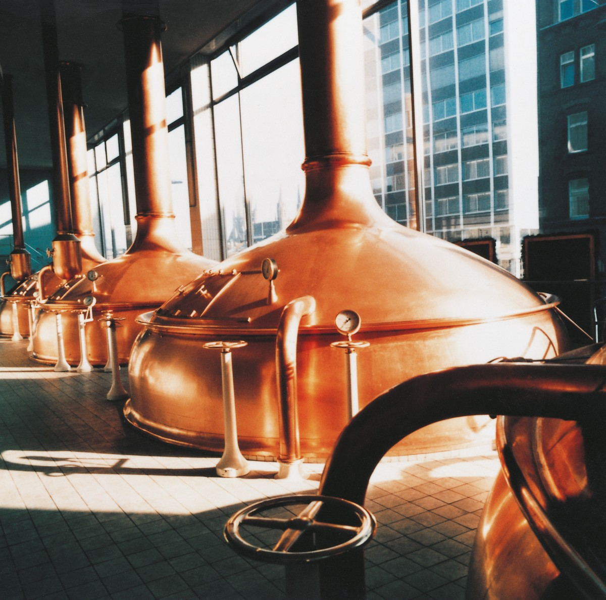 From the traditional vat to the high-tech brewery