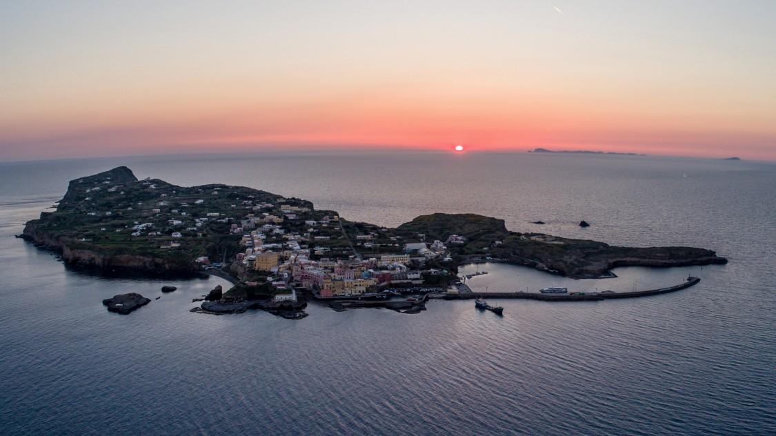 Надійне і стійке електропостачання острова