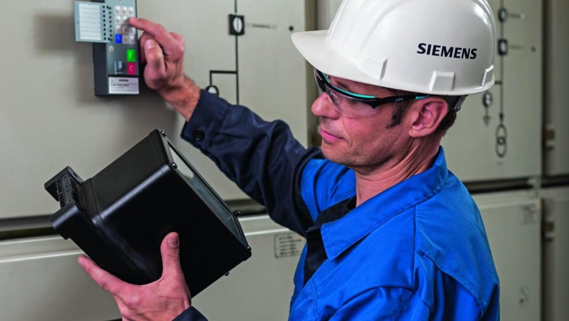 Siemens worker