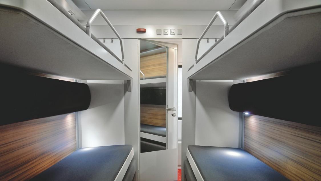 Viaggio Classic – Schlafwagen bei Nacht