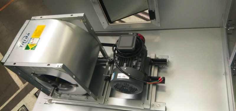 西门子电机安装在天加中央空调设备上。
