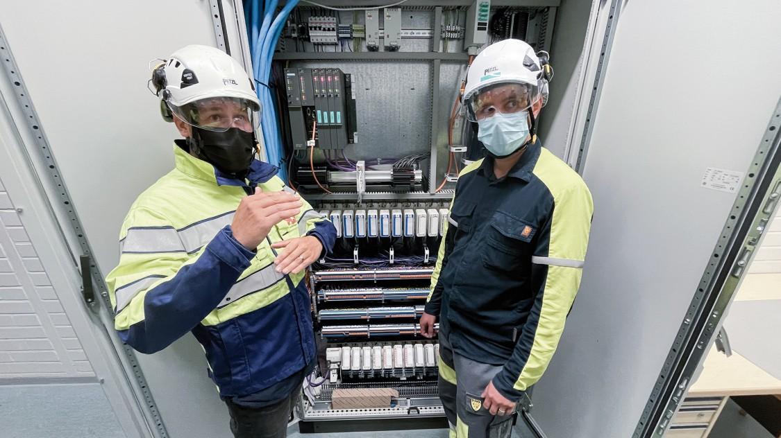 Kuvassa PCS-Engineeringin Mikko Eilo ja Chempoliksen Paulus Niemelä.
