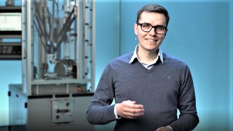Vladimir Larvik – Senior AI Expert für Industrielle KI von Digital Industries