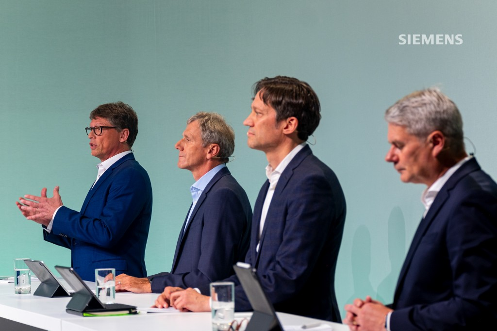 Q&A session at Siemens AG's Capital Market Day on June 24, 2021: (l-r) Matthias Rebellius, Siemens AG Managing Board member and CEO of Smart Infrastructure, Axel Meier, Chief Financial Officer of Smart Infrastructure, Michael Peter, CEO of Siemens Mobility, and Karl Blaim, Chief Financial Officer of Siemens Mobility, answering analysts' questions.